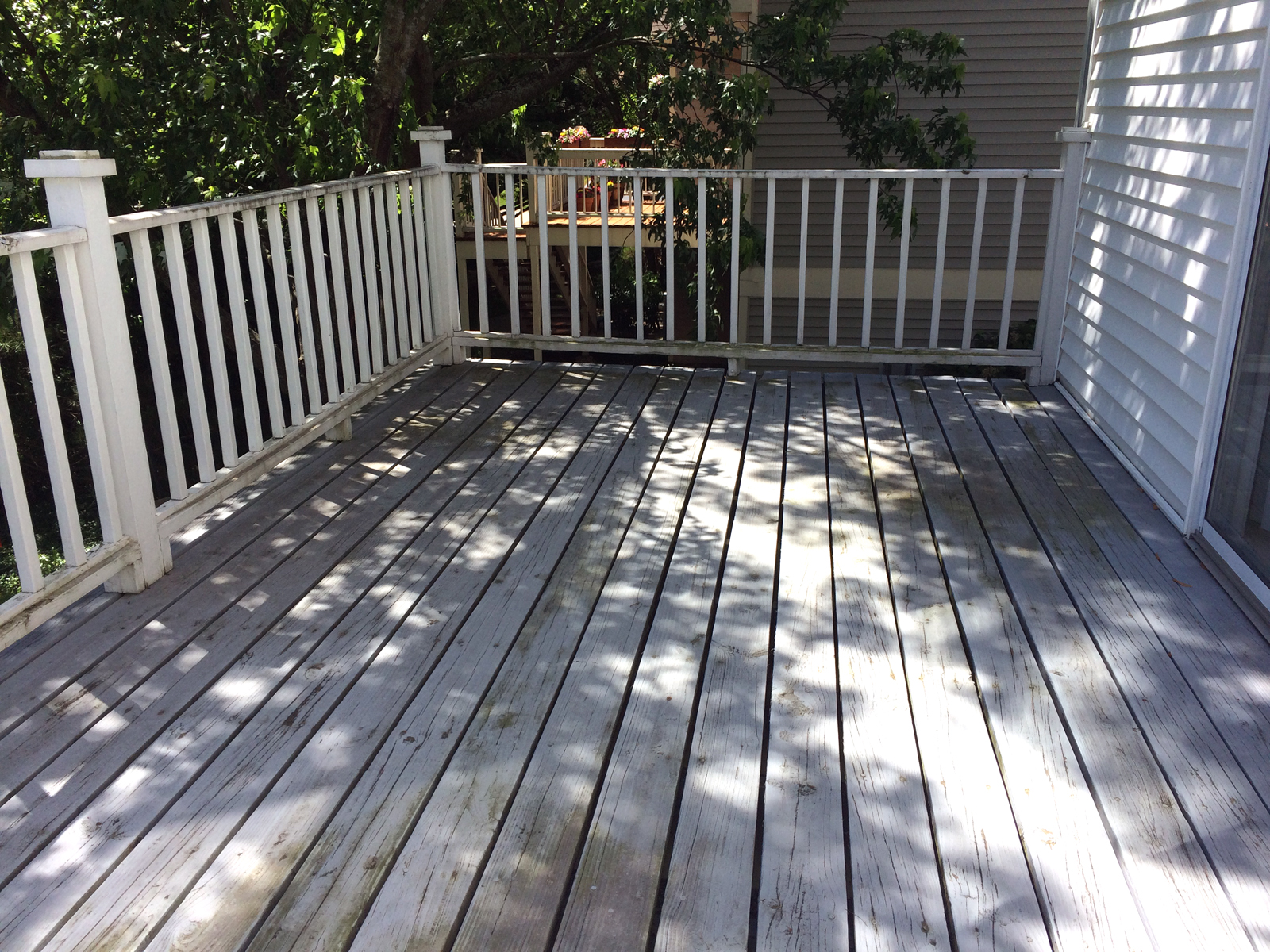 wood-deck-power-washing-painting-before-1